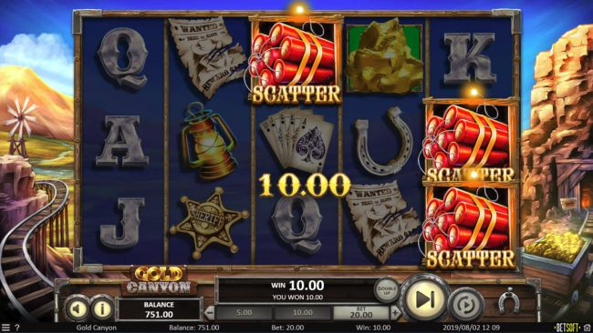 Scatter symbols triggers the free spins feature by Casino Bonus Beater