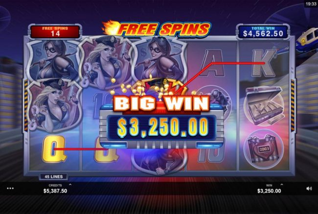 Multiple winning paylines triggers a 3,250.00 big win during the Free Games feature! - Casino Bonus Beater